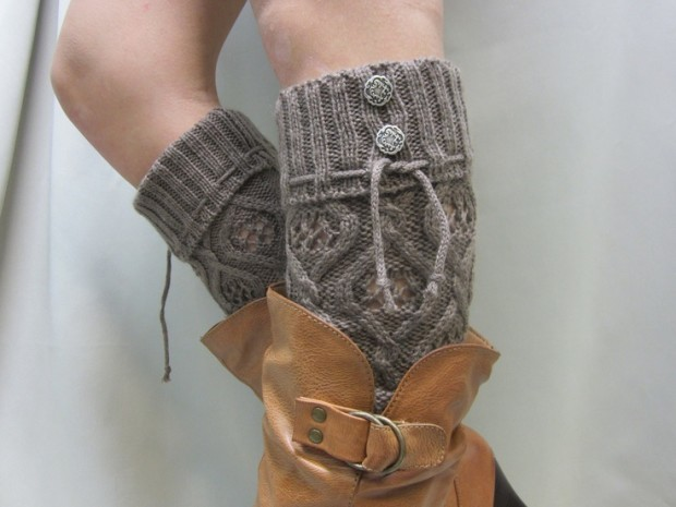 DIY-Coffee-Knitted-Leg-Warmer-Tutorial