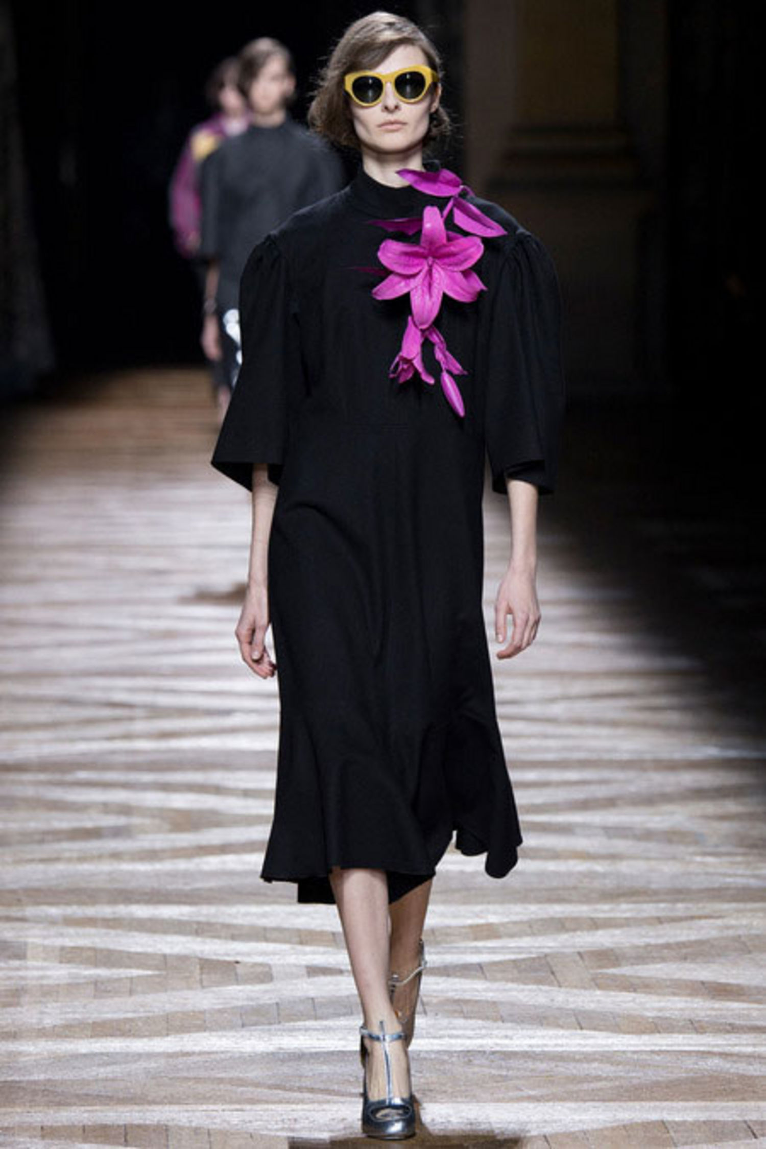 Retro-Looks-in-Dries-Van-Noten-Fall-Winter 2015