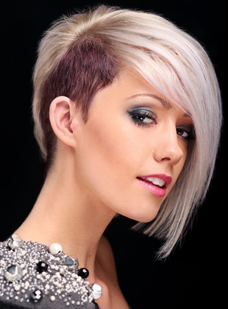 Short Hairstyles for Women - Short hairstyle with discovered ears
