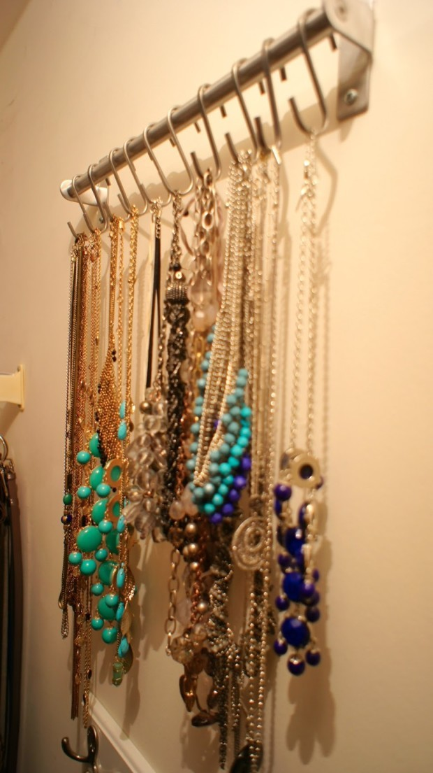 14 DIY Jewelry Storage Ideas 1