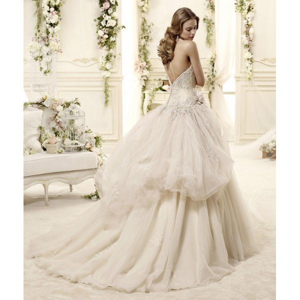 2015-tulle-sweetheart-ball-gown-wedding-dress-with-embroidery