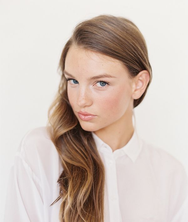 5-minute-natural-glowy-makeup-routine 1