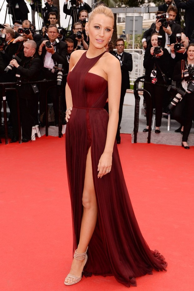 Blake-Lively_Marsala-Pantone-color-of-the-year