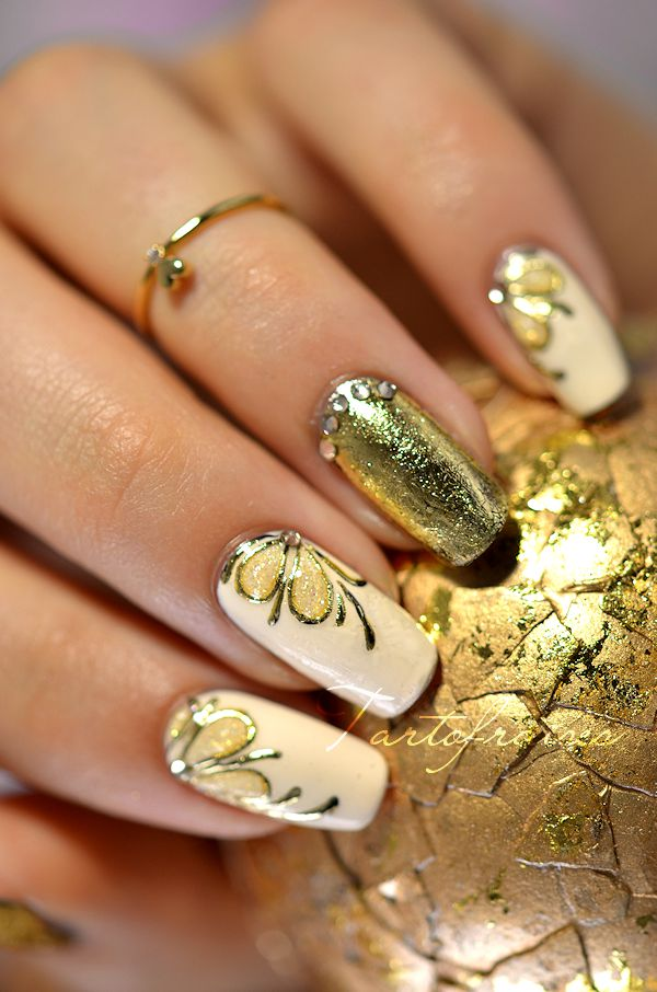 Gold-Acrylic-Nail-Designs-2015