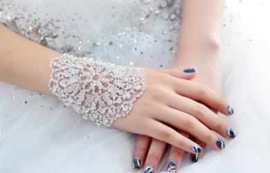 Luxury-handmade-white-exaggerated-bracelet-hand-chain-wedding-accessories-wedding-dress-accessories-bridal-jewelry