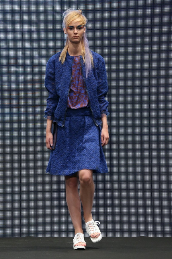 Modern-Skirt-Suits-For-Spring-Summer-2015-