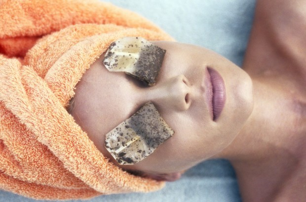 Get Rid Of Dark Circles And Bags Fast 5min Undereye Treatment With Baking Sod