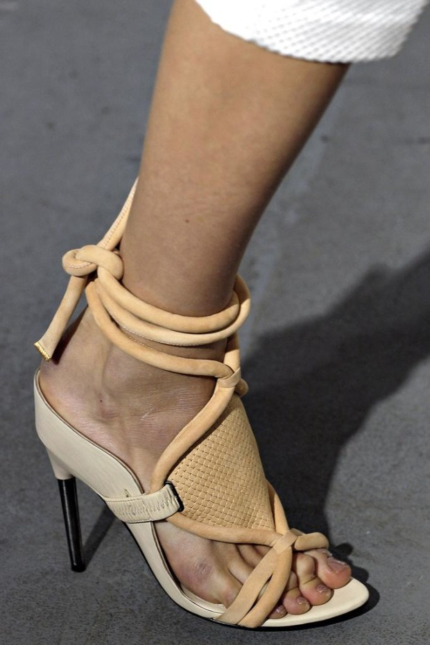 Women's shoes with straps