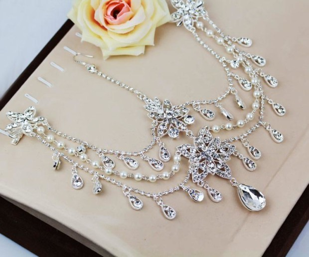 luxury-bridal-crystal-beaded-hair-accessories