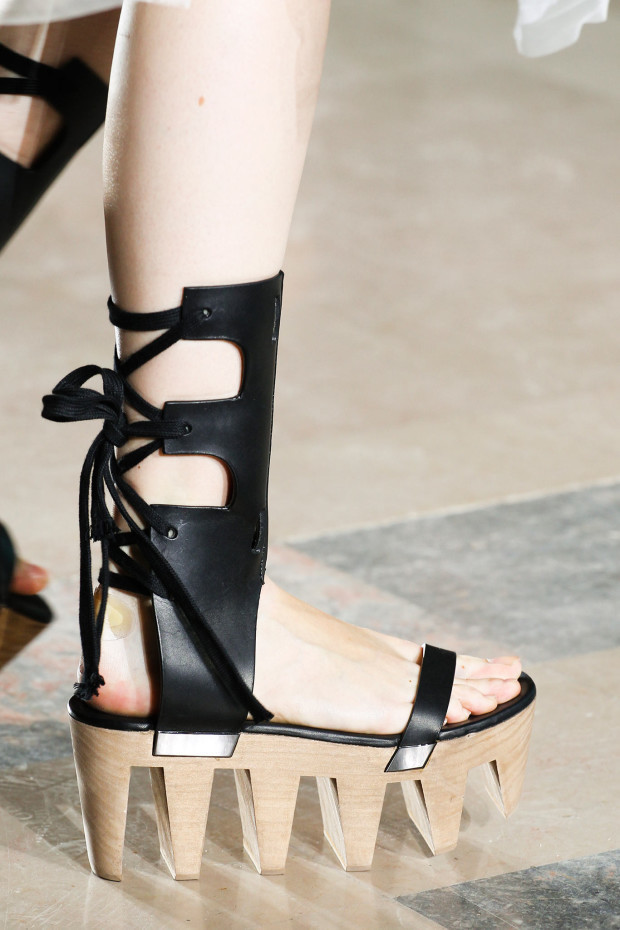 spring-2015-runway-statement-shoes_27
