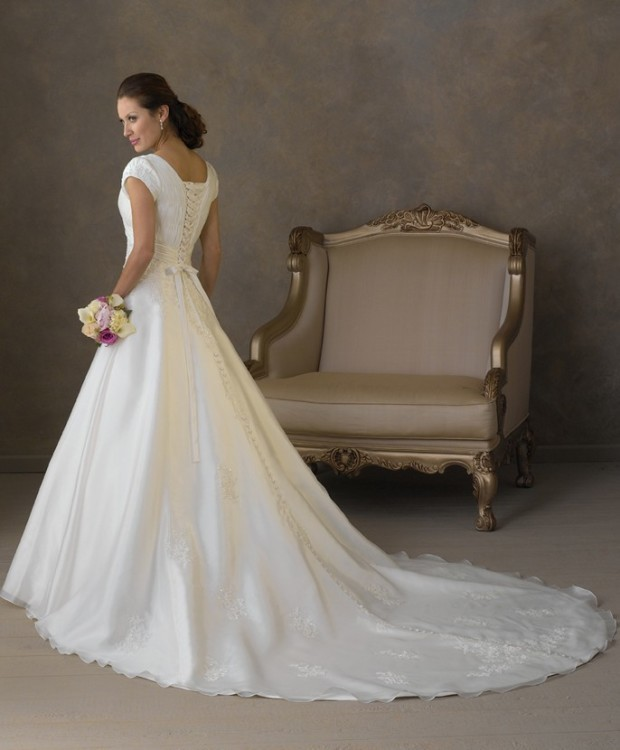 wedding dresses 2015 trends 1