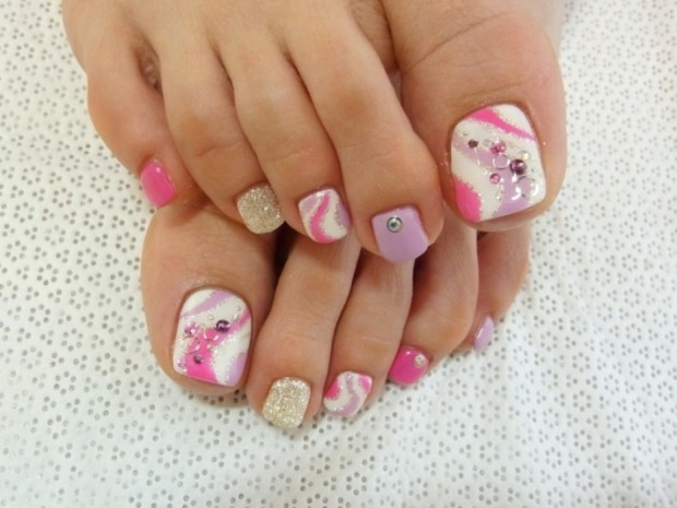 2015-Pedicure-Nail-Designs