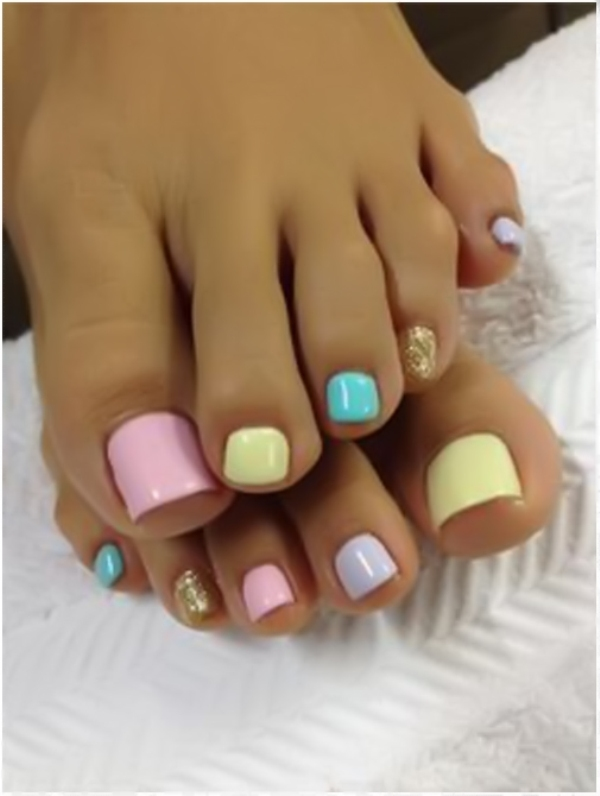 Simple-Pedicure-Nail-Designs