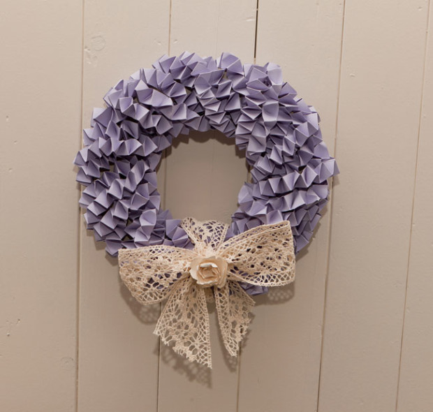 calling-all-diy-brides-heres-how-to-make-a-wedding-wreath-decoration