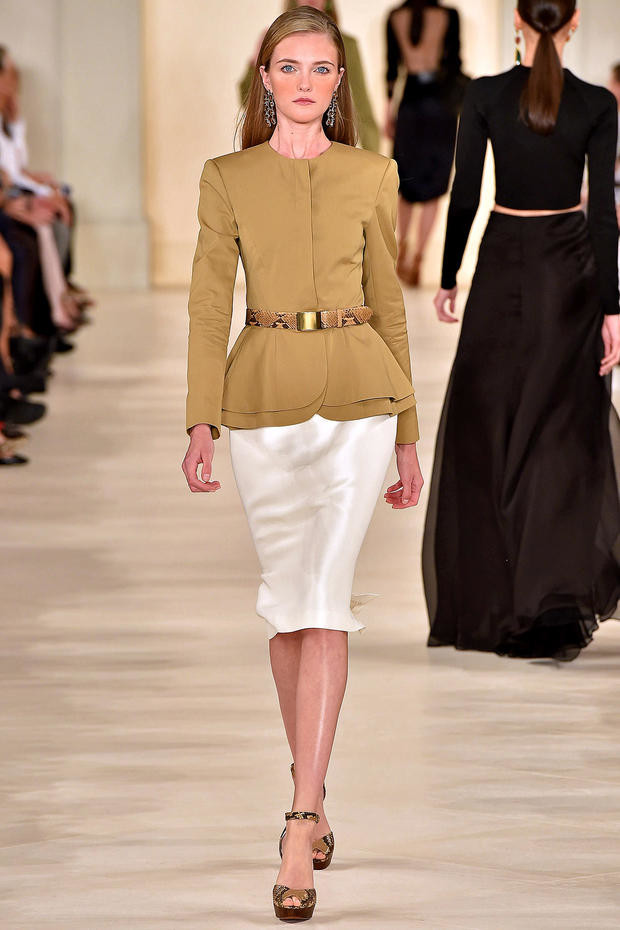 what to wear with a white pencil skirt