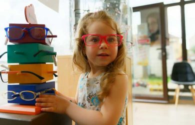Making Eyewear Important to Kids: 4 Ways to Do It Right